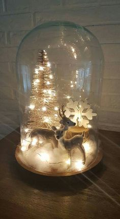 Diy Centerpieces, Christmas Centerpieces, Xmas Decorations, Natural Christmas, Christmas And New Year, Merry Christmas, Woodland Christmas, The Bell Jar, Lanterns Decor
