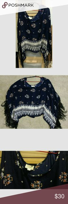 Blue Floral Print Kimono Tunic Poncho L.A. Hearts Brand.  Pac Sun. One Size.  Fits adorably over leggings or leggings for the winter, or over shorts in the summer.  Goes with everything.  Fits really comfortable.  Worn once. LA Hearts Tops Tunics