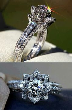 Very unique ring. I like this a lot!