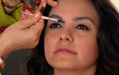 How to groom eyebrows