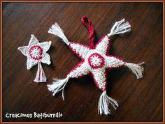 Estrella de Navidad Amigurumi a Crochet - Patrón Gratis en Español aquí: http://creacionesbatiburrillo.blogspot.com.es/2014/11/estrellas-navidad-crochet.html