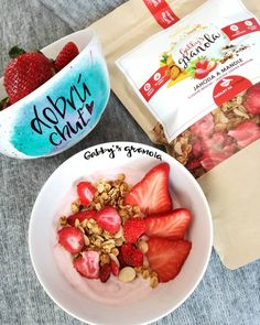 Majte vždy dobrú chuť s našou @gabbys_granola 💙💛💚🍽🎊 a užívajte trošku voľna 😁🤗. Za skvelé, originálne misky ďakujeme @salocka_mugs 🙏♥ Granola, Acai Bowl, Breakfast, Food, Acai Berry Bowl, Morning Coffee, Essen, Meals, Yemek