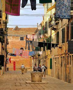 Venetians'Venice : Campiello Tana Italia