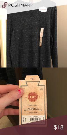 Sweater/thermal Dark grey long sleeves shirt/thermal. Nice and casual shirt, comfortable and warm Shirts Tees - Long Sleeve