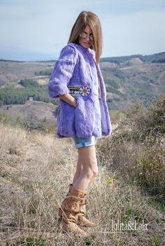 Abrigo de piel Lila con aplique tuchi El color de esta temporada es el Lila, Es una prenda muy amorosa y calentita, con detalles fabricados a mano que le dan ese toque Boho Chic que tanto te gusta. #hippie #boho #abrigo #piel l#gypsy #bohemian