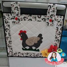 Para fogão de 4 bocas.  Feito com tecido 100% algodão e manta para estruturar  Aplique de galinha  Feito Sob Encomenda