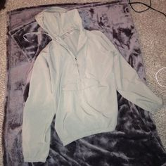 Gap body pullover jacket Cute lazy day shirt, can be worn as an active wear shirt, light and fun Other