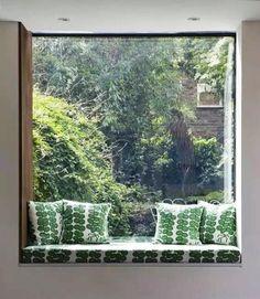 Vous êtes à la recherche de bons trucs pour des vitres parfaitement propres? Laver vos vitres et fenêtres de la meilleure des façons avec ces trucs testés et approuvés.