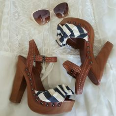 Jessica Simpson Bow Heels NWOT OR BOX, Jessica Simpson bow clog heels! Never worn, Sz 7 but runs small. Purchased at Macy's.  Super chic! Perfect with jeans, or dress.   *has some discoloration on the bottom heel, pictures provided, not visible when worn* Shoes Mules & Clogs