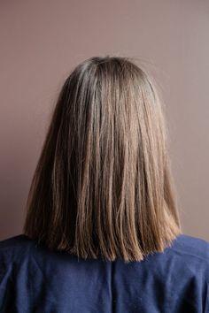 Coupe carré droit cheveux mi-longs