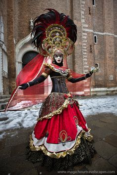 We help you make your trip to Italy, Venice memorable and interesting. We picked the most popular Venice attractions and present them to you with stunning images. Venetian Costumes, Venice Carnival Costumes, Venetian Carnival Masks, Carnival Of Venice, Venetian Masquerade, Masquerade Ball, Venice Attractions, Costume Venitien, Costume Carnaval