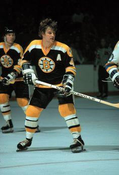 Bobby Orr - Boston Bruins' greatest hockey player of all time Bobby Hull, Bobby Orr, Boston Bruins Hockey, Pittsburgh Penguins Hockey, Chicago Blackhawks, Hot Hockey Players, Nhl Players, Stars Hockey, Ice Hockey