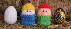 Easter Egg Cozies to knit and crochet – free patterns – Grandmother's Pattern Book