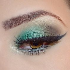 One thing's for sure @embeauty55 deserves more lovely #makeup fans following her- this gal's got talent! #MUA #MUAInspiration #GreenEyeshadow #GreenEyeEnvy by feelunique