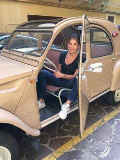 2cv femme Psa Peugeot Citroen, Peugeot 205, Classic European Cars, Classic Cars, Automobile, 2cv6, Day Van, Cabriolet, Top Cars