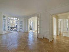 A Classic Apartment in Paris