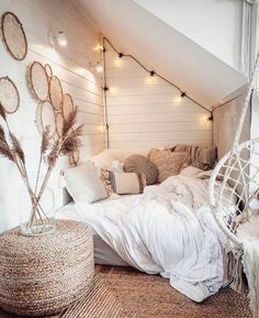 Bohemian Minimalist with Urban Outfiters Bedroom Ideas : Bedroom decor; modern bed room decor ideas on a budget; Cute Bedroom Ideas, Room Ideas Bedroom, Bedroom Decor, Bedroom Designs, Bedroom Inspo, Modern Bedroom, Bedroom Ideas For Small Rooms For Teens For Girls, Bedroom Inspiration Cozy, Bohemian Bedroom Design