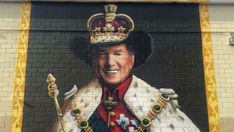 The king of country music George Strait has been honored with a new mural right here in San Antonio, and even the king himself is pleased with the work. Black Cowboy Hat, Black Cowboys, San Antonio Things To Do, Downtown San Antonio, Murals Street Art, Time Painting, George Strait, Fun Events, The St