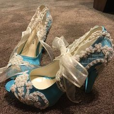 teal satin wedding shoes with white lace and ribbons. Teal accent bridal shoes for your something blue Colorful Wedding Shoes, Blue Bridal Shoes, Satin Wedding Shoes, Teal Shoes, Satin Shoes, Wedding Heels, Lace Wedding, Something Blue Bridal, Teal Accents
