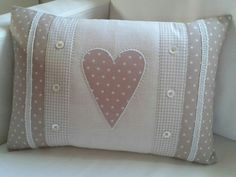 Wonderful Mesmerizing Sewing Ideas for All. Awe Inspiring Wonderful Mesmerizing Sewing Ideas for All. Cute Cushions, Cute Pillows, Diy Pillows, How To Make Pillows, Decorative Pillows, Throw Pillows, Designer Pillow, Pillow Design, Sewing Crafts