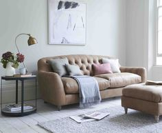 Butterbump button back modern chesterfield sofa Tan Leather Sofas, Best Leather Sofa, Capitone Sofa, Home Living Room, Living Room Designs, Tan Sofa, Chesterfield Sofa, Loft Spaces, Reclining Sofa