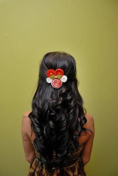 Christmas Hair Ideas: Candy Cane Christmas Hair Pin