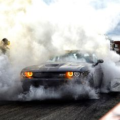We love burnouts. S 500 Amg, Dodge Muscle Cars, Dodge Challenger Srt Hellcat, Top Luxury Cars, Weird Cars, Mustang Cars, Us Cars, American Muscle Cars, Car Wallpapers