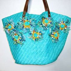 Turquoise straw bag with decoration Art'MadeBijoux € 39 -HandMade in Italy- www.etsy.it/it/shop/ArtMadeBijoux