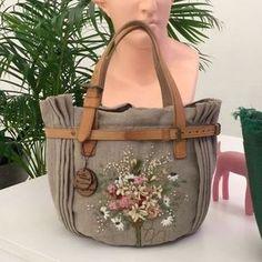 #아뜰리에화양연화 #타샤의정원가방 #타샤의정원들꽃가방 #타샤의정원차보라이트2#화양연화 #주보은작가 I love Tasha's garden bag