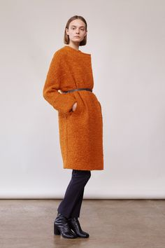 Elizabeth and James Fall 2017 Ready-to-Wear Fashion Show Collection: See the complete Elizabeth and James Fall 2017 Ready-to-Wear collection. Look 8 Fashion 2017, New York Fashion, Ladies Fashion, Fashion Brand, Ashley Olsen, Kate Olsen, Fashion Show Collection, Winter Collection, Fall Collections
