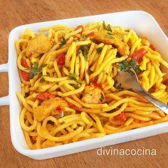 Espagueti con pollo al curry