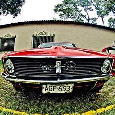 1968 Mustang, en Los Dos Caminos