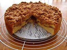 Panera Bread Restaurant Copycat Recipes: Cinnamon Crumb Coffee Cake Panera Bread at Home Cinnamon Crumb Cake, Crumb Coffee Cakes, Crumb Cakes, Cake Recipes, Dessert Recipes, Bread Recipes, Muffin Recipes, Brunch Recipes, Delicious Desserts