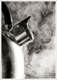 I love this. Know why? Because that steam means there's about to be a cup of tea in my hand....<3