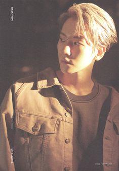 Baekhyun Brasil 🍭c('ㅅ'🍬c ( Baekhyun, Kaisoo, Chanbaek, Exo Album, Chinese Boy, Kpop Aesthetic, City Lights, Korean Singer, Boy Groups