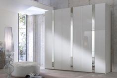 Nuvola garderobekast met spiegels en draaideuren. #kledingkast #garderobekast #draaideuren #spiegels