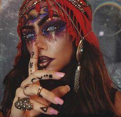 Gypsy Fortune Teller Halloween Makeup Idea #Kostüm #Karneval #Halloween #Fasching