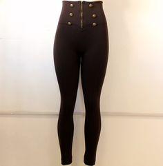 hermoso #legging #café con #botones y#cierres #dorados en #cintura