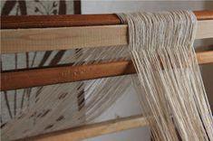 Heidin Iloinen Käsityökulma: Loimen laittaminen kangaspuihin 1/3: Loimen kiertäminen tukille Clothes Hanger, Coat Hanger, Hangers, Hangers For Clothes, Clothes Racks