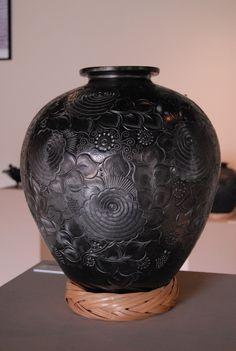 Barro Negro Vase   by Teyacapan