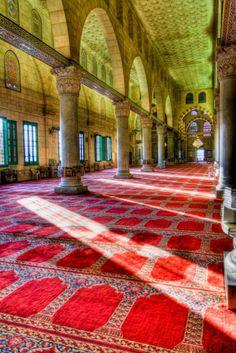 Islamic Art and Quotes — Inside al-Aqsa Mosque (Jerusalem, Palestine). Islamic Architecture, Art And Architecture, Places Around The World, Around The Worlds, Terra Santa, Arte Judaica, Naher Osten, Dome Of The Rock, Mekka