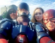 Supergirl / Flash / Arrow / Legends of Tomorrow Crossover Photos Rip Hunter, Supergirl Dc, Supergirl And Flash, The Cw, Marvel Dc, Arrow Flash, Mtv, Cw Crossover, Superhero Tv Shows