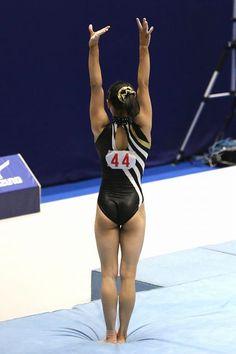 Gymnastics Pictures, Gymnastics Girls, Gymnastics Apparatus, Dancing Figures, Gymnastics Photography, Balance Beam, Female Gymnast, Sporty Girls, Fit Chicks