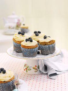 Blaubeer-Bananencupcakes | http://eatsmarter.de/rezepte/blaubeer-bananencupcakes