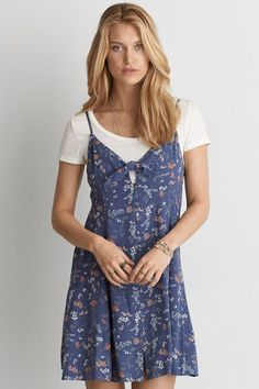 With a defined waist and flared skirt, this flattering ultra-feminine silhouette is brimming with romance. Flare Skirt, Fit Flare Dress, Outfits Niños, Blue Dresses, Summer Dresses, Mens Outfitters, Eagle Outfitters, Babydoll Dress, Lounge Wear