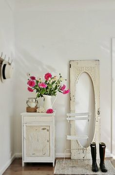 vintage coastal style - white, rustic, vintage with nautical accents and pops of white & pink flowers xo oh and don't forget the navy blue Hunters!