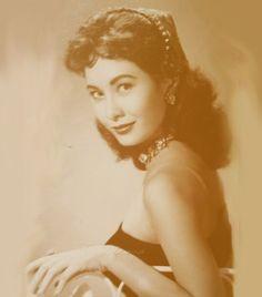 6 Decades of Fierce Women in Philippine Cinema Filipina Actress, Filipina Beauty, Philippines Culture, Manila Philippines, Jose Rizal, Mahal Kita, Philippine Women, Filipino Culture, Solis
