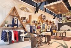 Sweet Quiksilver Store Ski Rental, Showroom, Retail, Windows, Boutique, Space, Business Ideas, Bed, Interior