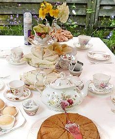 #High #tea #party op je #verjaardag? Huur het servies bij www.rosalilly.nl