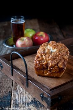 Only takes TEN MINUTES to get this in the oven and it'… Caramel Apple Beer Bread. Only takes TEN MINUTES to get this in the oven and it's insanely good. No yeast! Easy Desserts, Delicious Desserts, Dessert Recipes, Yummy Food, Tasty, Beer Recipes, Apple Recipes, Cooking Recipes, Recipies